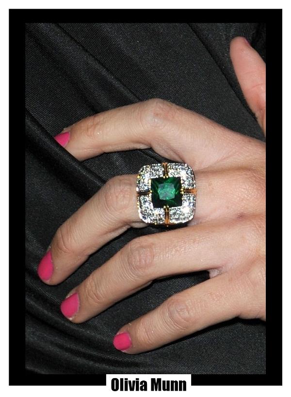 Olivia Munn - ring