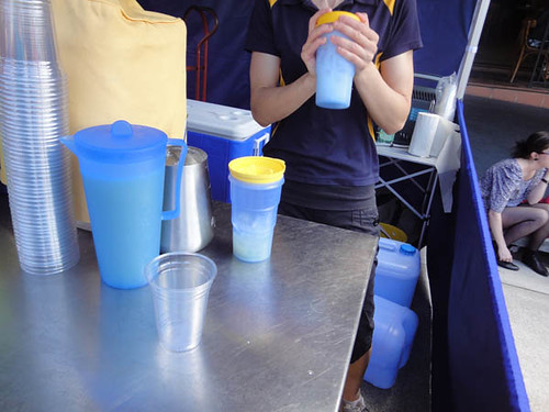 Norton Street Italian Festa: Shaking lemonade