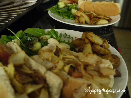 Vegan hot dogs, salad & chips