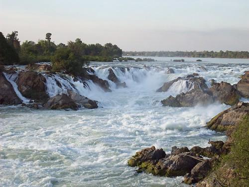 Khone Pha Pheng Waterfall (1) by swimntina.