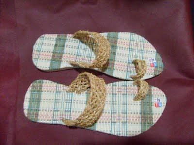 Sandal Enceng Gondok
