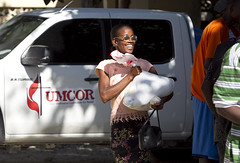 image of aid distribution by Mike DuBose for UMNS