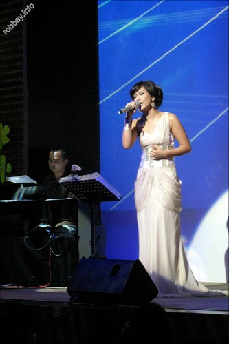 Robbey-PhuongVy-LeHieu003