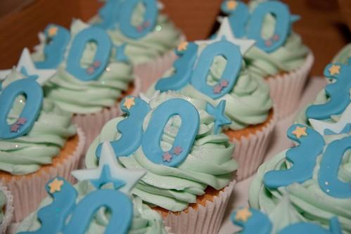 Cirencester Cupcakes - 30th Birthday Cupcakes