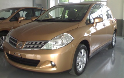 Nissan Tiida: Sedan Familiar Recomendable