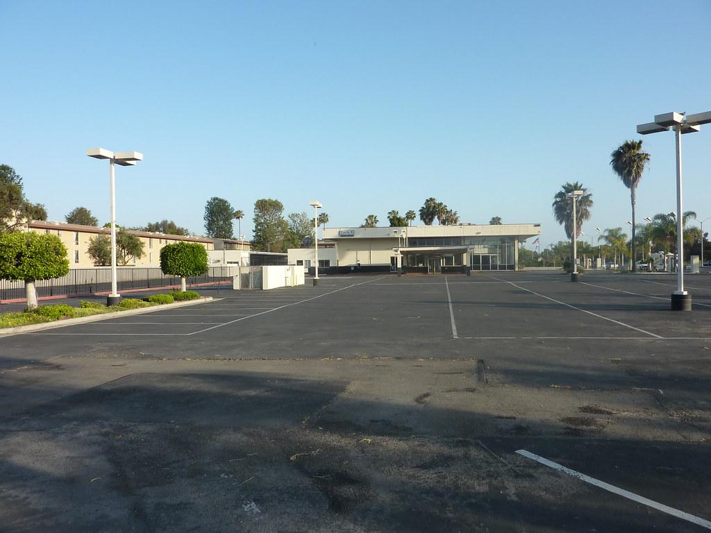 Closed auto dealership, Costa Mesa, 2010
