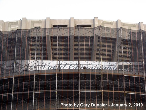 """Yankee Stadium Demolition, 01/02/10: they never even bothered to update the """"26 World Championships"""" sign... (IMG_2765) by Gary Dunaier."""