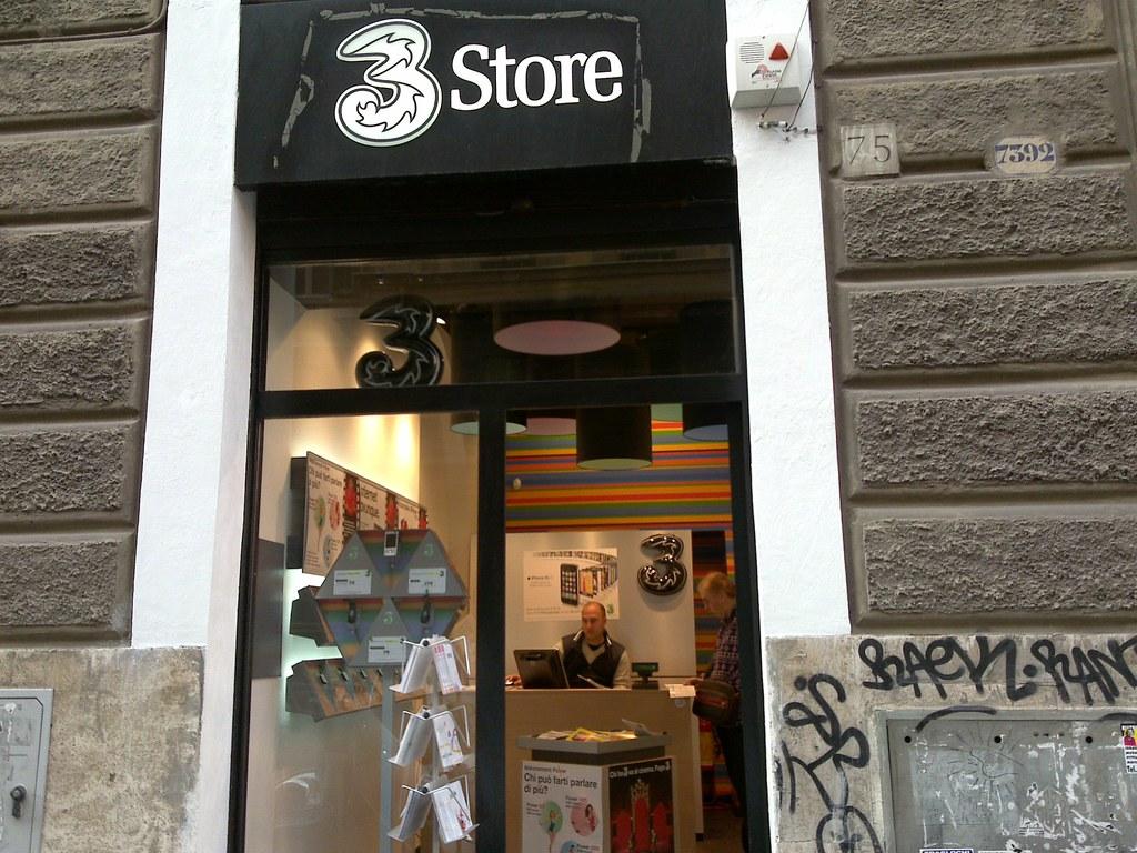 3 Store a via Principe Umberto