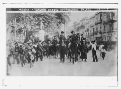 Mexico - Tlalpan cadets approaching palace (LOC)