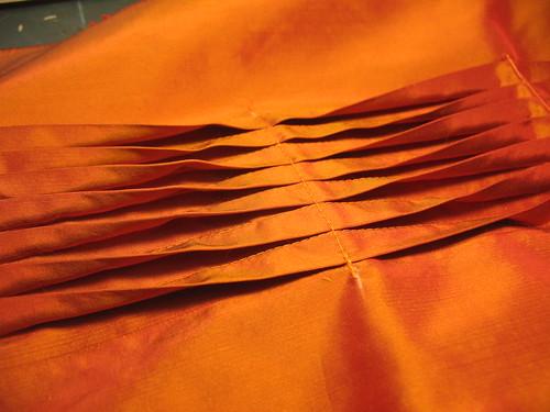 manipulation fabric - folds closeup