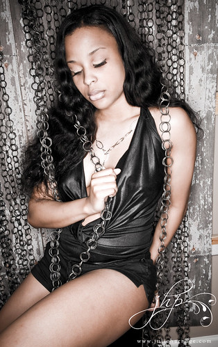 liisa. in chains