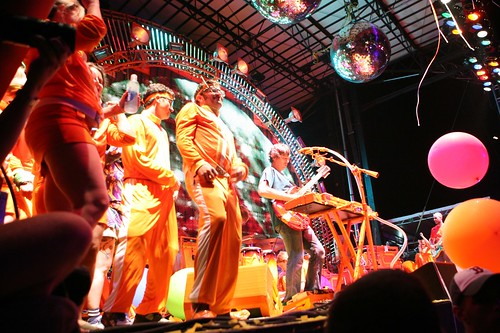 The Flaming Lips at Bonnaroo by allsongs.
