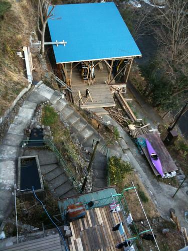 ウルトラC社屋から艇庫を見下ろす