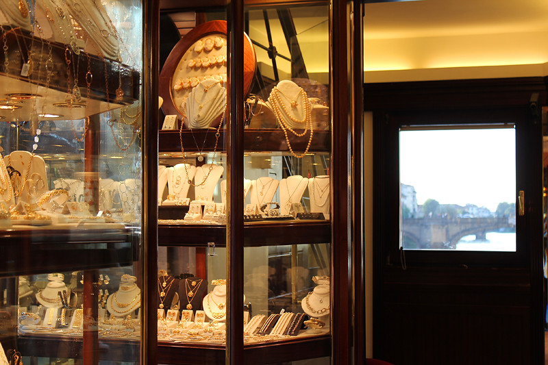 A jewellery shop on Ponte Vecchio