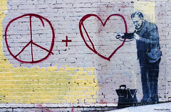 banksy - peaceful hearts doctor - 4