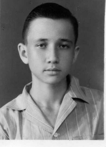 the young PHILLIP THEODOOR VAN DER GROEF  (born Oct 31 , 1941 , Soerabaja (Dutch Indies) , son of Leendert van der Groef (1916 - 1943) and of Theodora van den Worm ;  since 1966 husband of Colette Debora Marjorie Dorothea Maria Louwerens , two children  -