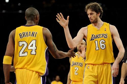 Gasol y Bryant contra los Suns