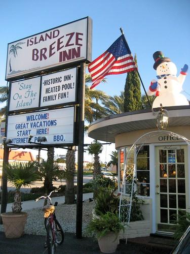 Island Breeze Motel Sign