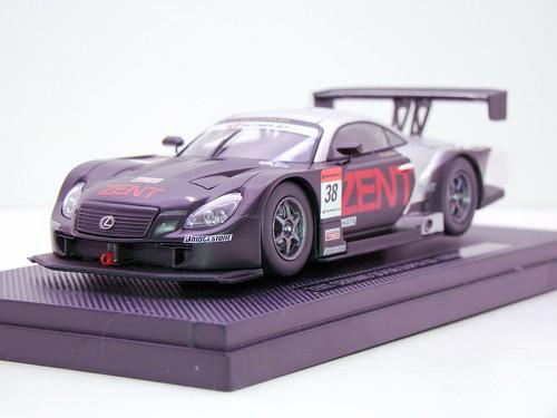 EBBRO ZENT CERUMO SC430 SUPER GT 2009 OKAYAMA TEST (4)