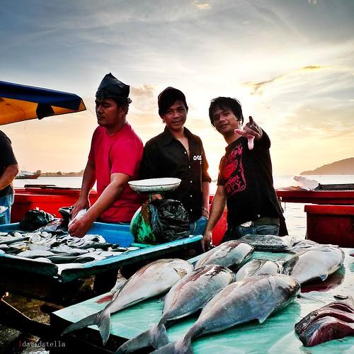 kota kinabalu waterfront fish market