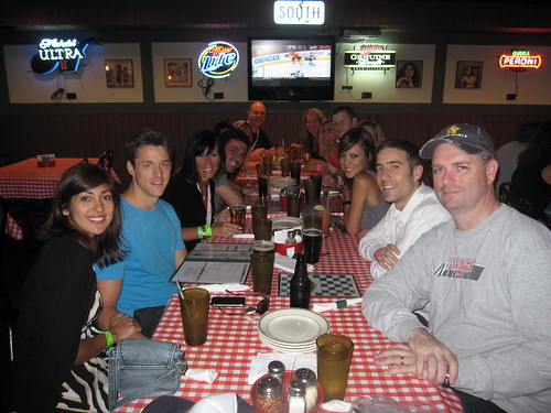 Team Affiliate Marketers Give Back at Gino's East