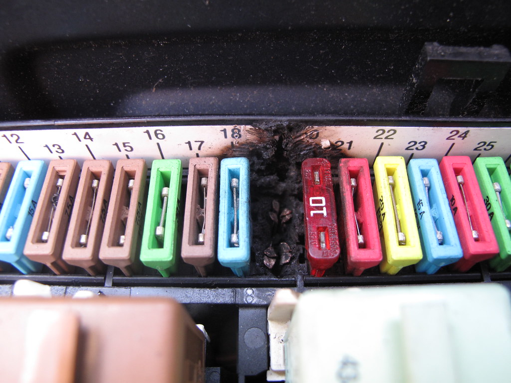 hight resolution of pics of my melted fuse box finally melted fuse box 18