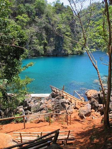 Trek Kayangan Lake