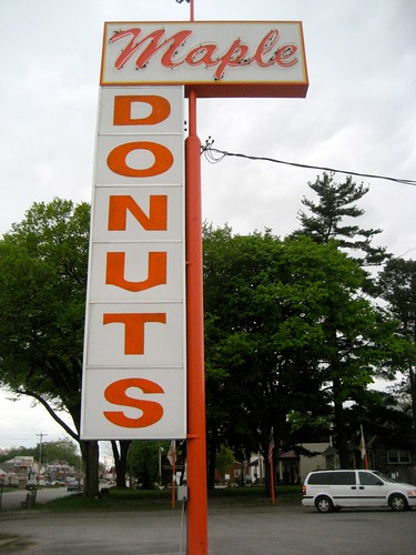 Maple Donuts Sign