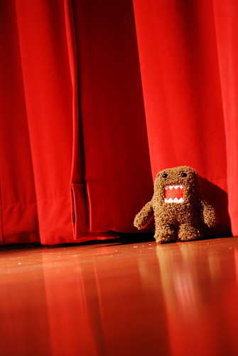 domo! gets a little stage fright