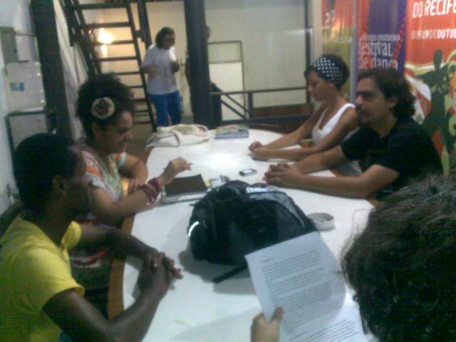 No Hermilo Borba Filho, equipe conversa sobre a FreePorto