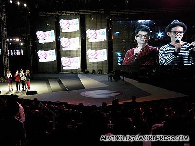 The two Chou Pi Jiang lead singers