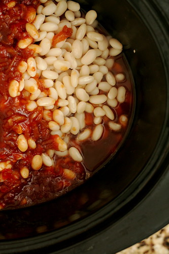 Slow-Cooked Vegetarian Boston Baked Beans