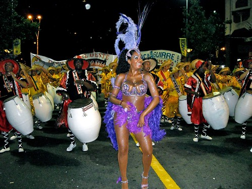 Yessy López a todo candombe