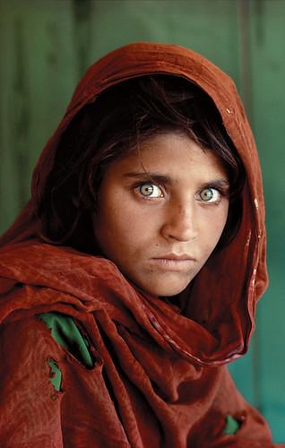"Risultato immagini per l'Afghan girl, Sharbat Gula"""