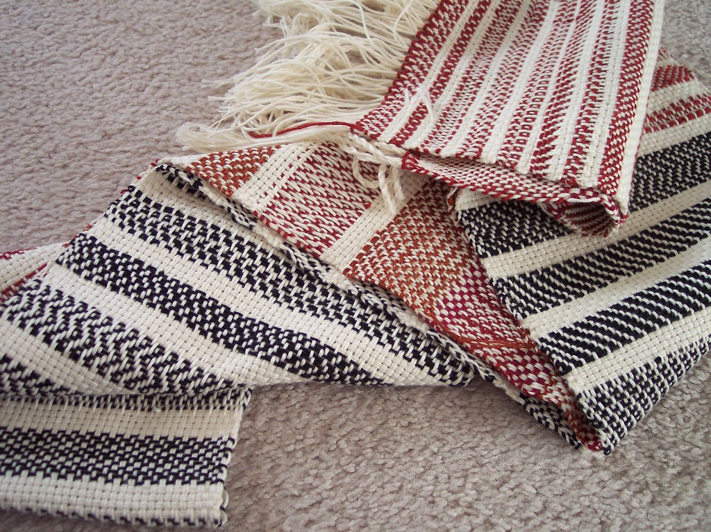 "Twill sampler (""Weaving for Beginners"" class)"