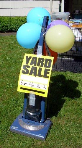 Vacuum balloon sign