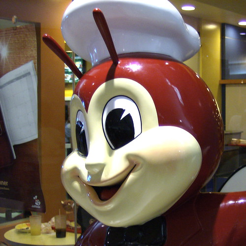 THE JOLLIBEE MASCOT MALL OF ASIA