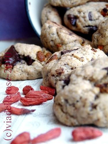 Cookies alle bacche Goji e cioccolato