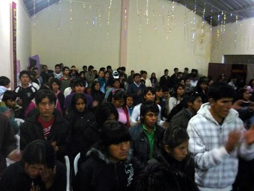 Jovenes at a joint worship service in Tarija