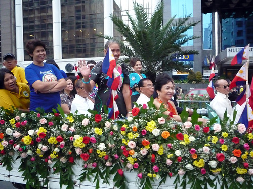 Makati Grand Parade 2010 023