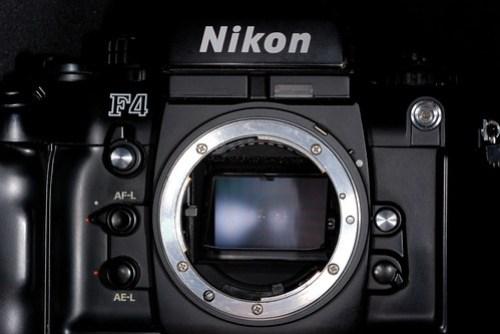 歷久彌新的 F-mount,可以支援最多 Nikkor 鏡頭是 F4 的最大特色