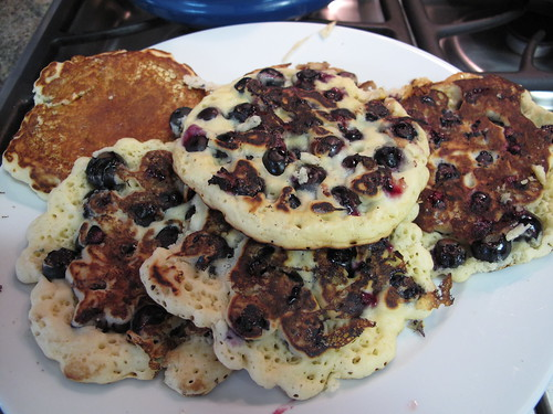 Monday brunch: blueberry pancakes