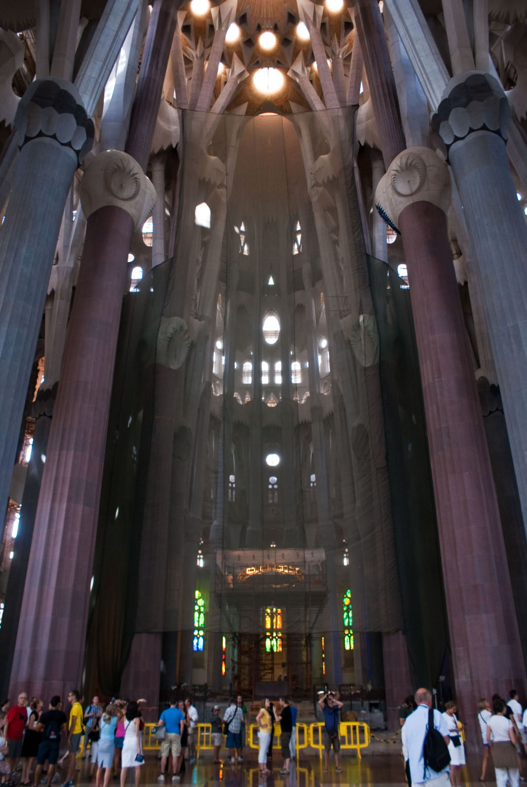 Sagrada_Familia_Interior-02