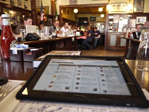 Seesmic Web on iPad at Boston Media Makers 04/04/10
