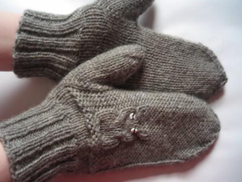 091213 - owl mittens 02 (1024x768)