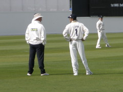 Imran Tahir talks to the Ump