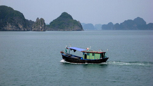 boat house (halong bay)