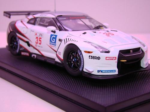 EBBRO NISSAN GT-R GT1 2009 SILVERSTONE (5)