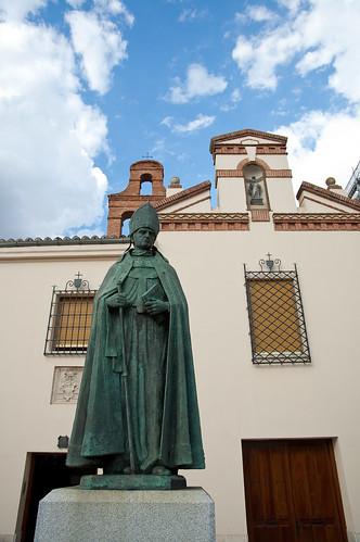 Estatuas, conventos y cielos