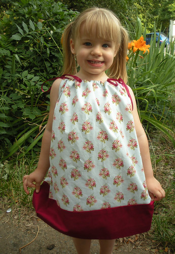 pillowcase dress blue flowers with maroon (4)